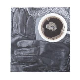 Bloc-note Vue supérieure d'une tasse blanche de café et de