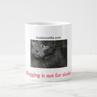Blogging n'est pas pour le chat de poules mouillée mug jumbo