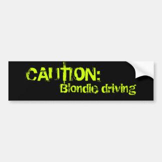 Blondie conduisant, PRÉCAUTION : Autocollant Pour Voiture