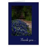 Bluebonnets et un carte de remerciements de route