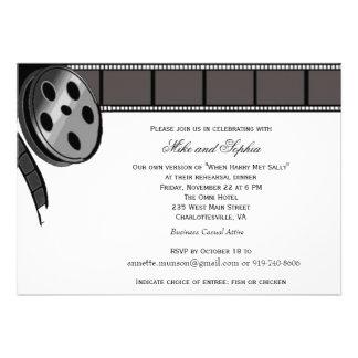 Bobine de film dans l invitation noire et blanche