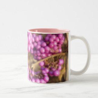 Bodinieri de Callicarpa (rose) - tasse de café
