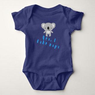 Body Amours de koala de bébé au petit somme
