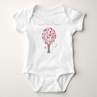 Body arbre avec des coeurs