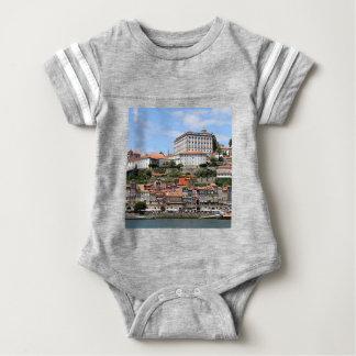 Body Bâtiments historiques et rivière, Porto, Portugal