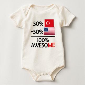 Body Demi d'Américain à moitié turc