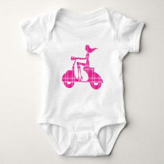 Body guingan de blanc de rose de scooter de fille