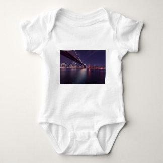 Body Horizon de nuit de pont de New York City Brooklyn