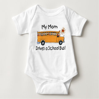 Body La maman conduit un autobus scolaire