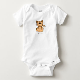 Body Le chaton tigré mignon du bébé