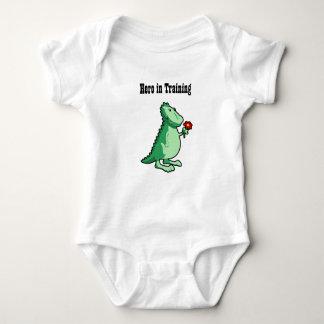 Body Le dragon de bébé - héros dans la formation
