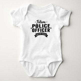Body Le futur policier aiment mon papa