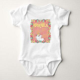 Body Licorne et fleurs adorables de sommeil