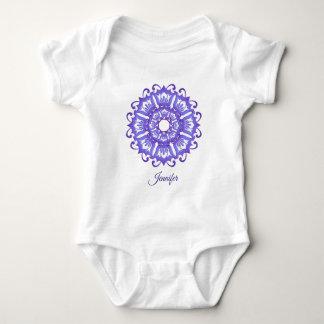 Body Mandala violet floral. Nom