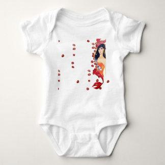 Body Natation dans la chemise rouge de bébé