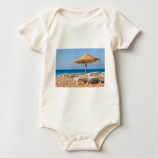 Body Parasol en osier avec la plage beds.JPG