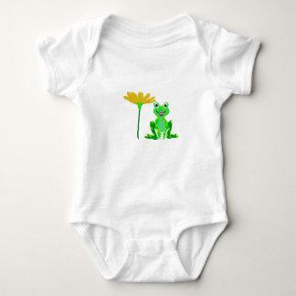 Body petite grenouille et fleur jaune