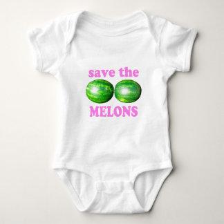 Body sauvez les melons sur le blanc avec le rose