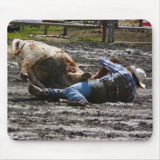 Boeuf de cowboy de rodéo luttant tapis de souris