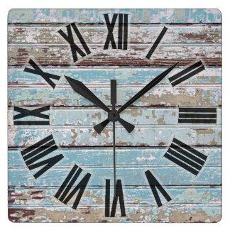 Bois patiné horloge carrée