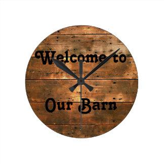 Bois rustique, accueil à notre grange, horloge
