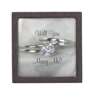 Boîte À Babioles De Première Qualité Des anneaux de mariage sur le gris vous