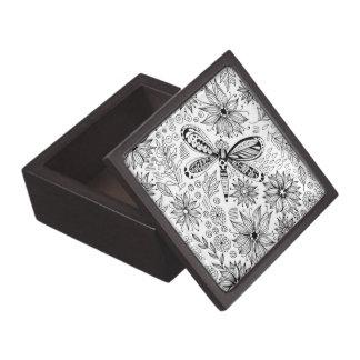 Boîte À Bijoux De Première Qualité Griffonnage de libellule et de fleurs