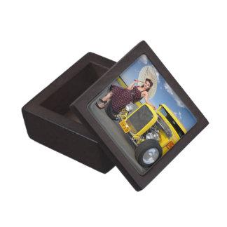 Boîte À Bijoux De Première Qualité Le hot rod flambe le Pin vintage de voiture de