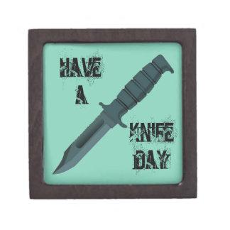 Boîte À Bijoux De Première Qualité Les couteaux ont un jour de couteau