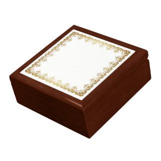 Boîte à bijoux d'or de jabot