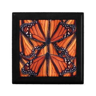 Boîte À Souvenirs art de papillon de monarque