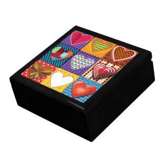 Boîte À Souvenirs Boîte de souvenir avec les coeurs multicolores
