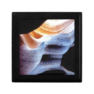 Boîte À Souvenirs Bosses et morceaux dans les roches