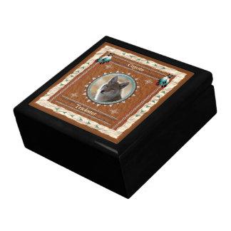 Boîte À Souvenirs Coyote - boîte-cadeau en bois de Filou avec la
