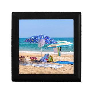 Boîte À Souvenirs Deux parasols et approvisionnements de plage à
