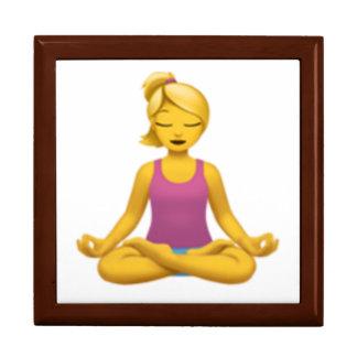 Boîte À Souvenirs Femme en position de Lotus - Emoji
