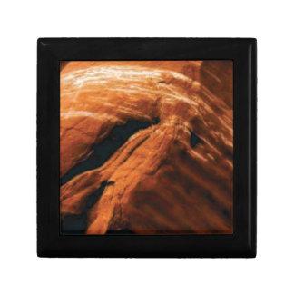 Boîte À Souvenirs gonflement de la roche rouge
