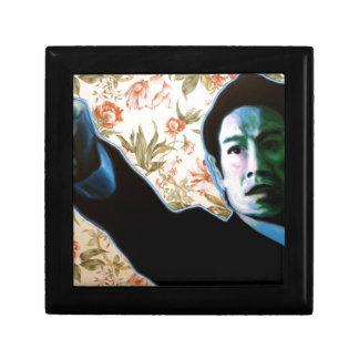 """Boîte À Souvenirs """"Il est dans votre salon"""" par Axel Bottenberg"""
