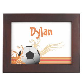 Boîte À Souvenirs Le ballon de football folâtre le nom personnalisé