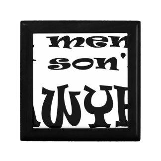 Boîte À Souvenirs le fils est un avocat