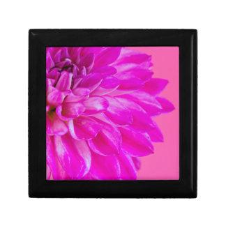 Boîte À Souvenirs Macro image du dahlia de fleur sur le backgroun