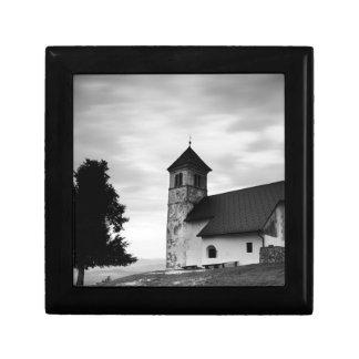 Boîte À Souvenirs Nuage de soirée au-dessus d'église