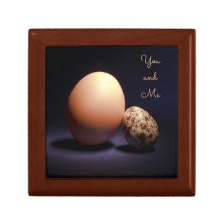 Boîte À Souvenirs Oeufs de poulet et de caille dans l'amour. Texte