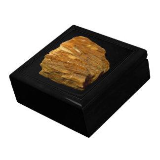 Boîte À Souvenirs Photo minérale de barytine crêtée sur le noir