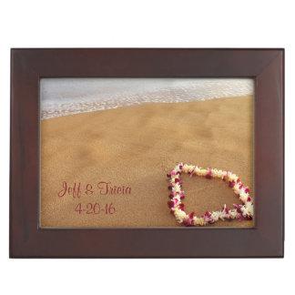 Boîte À Souvenirs Plage et Lei épousant la boîte de souvenir