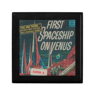Boîte À Souvenirs Premier vaisseau spatial sur le film vintage de