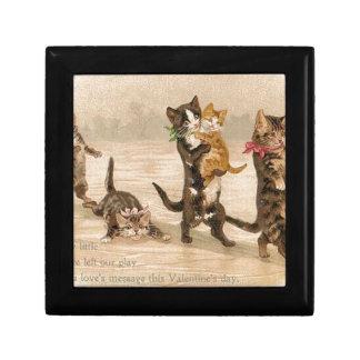 Boîte À Souvenirs Saint-Valentin victorienne vintage de chatons de