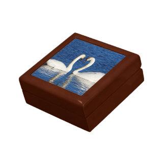 Boîte À Souvenirs Signe blanc de coeur de forme de deux cygnes