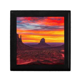 Boîte À Souvenirs Vue pittoresque de coucher du soleil au-dessus de