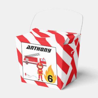 Boîte de cadeau d'anniversaire de camion de boites de faveur